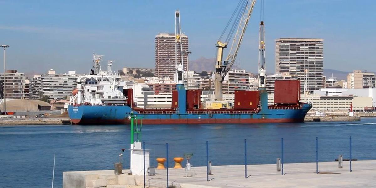 Nuevo éxito de SERRANO & ASOCIADOS en la defensa de la actividad de las empresas estibadoras del Puerto de Alicante, frente a la posición que ha mantenido el Ayuntamiento de Alicante (administración anterior) en materia de policía administrativa. Actividad portuaria